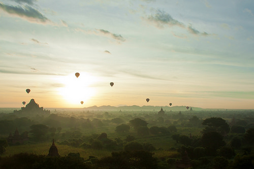 photo credit: Hot air over Bagan via photopin (license)