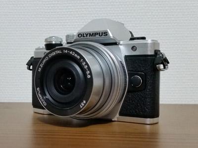 OLYMPUS OM-D E-M10 MarkIIレンズ装着