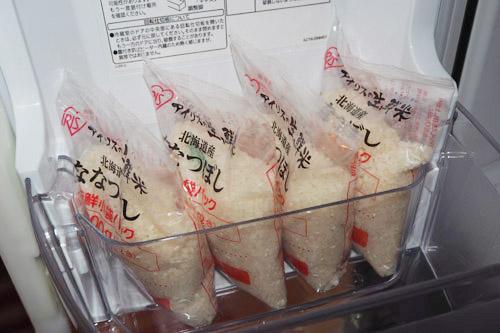 アイリスの米は楽に冷蔵庫へ保管できる