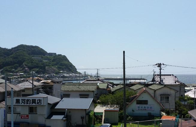 浜金谷駅から見える海の風景