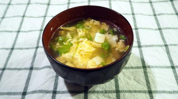 とろーり絹豆腐とレタスのかき玉汁